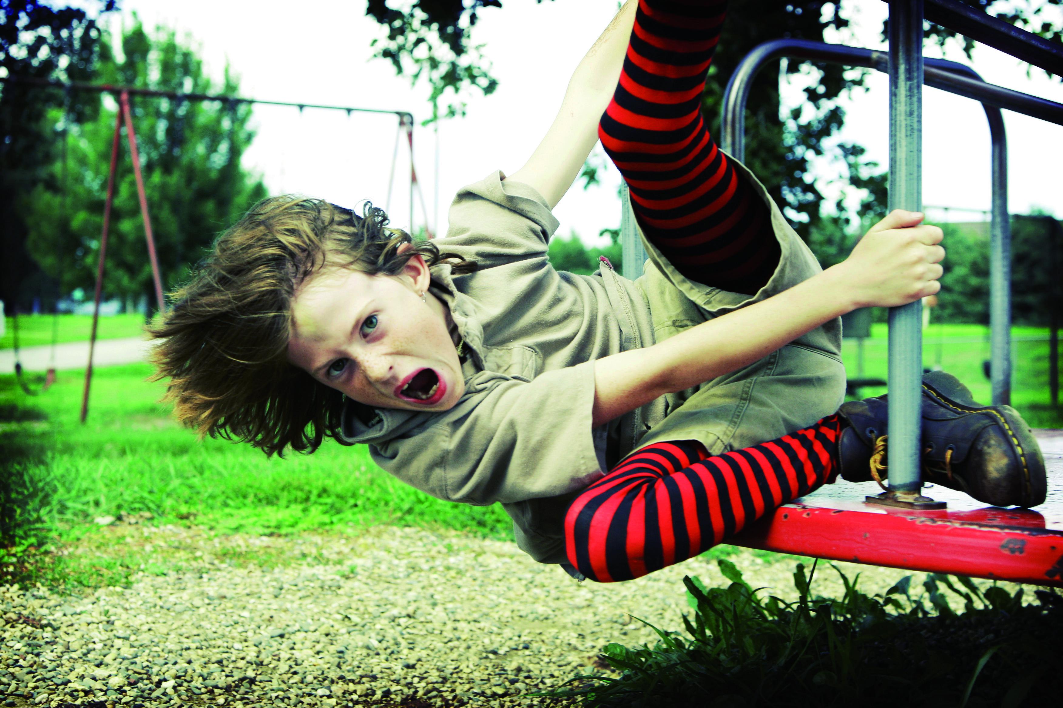 Imatge nens amb TDAH. Dificultats de coordinació i malaptesa